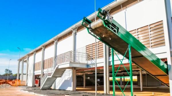 Complexo de Reciclagem da Estrutural em fase final de construção